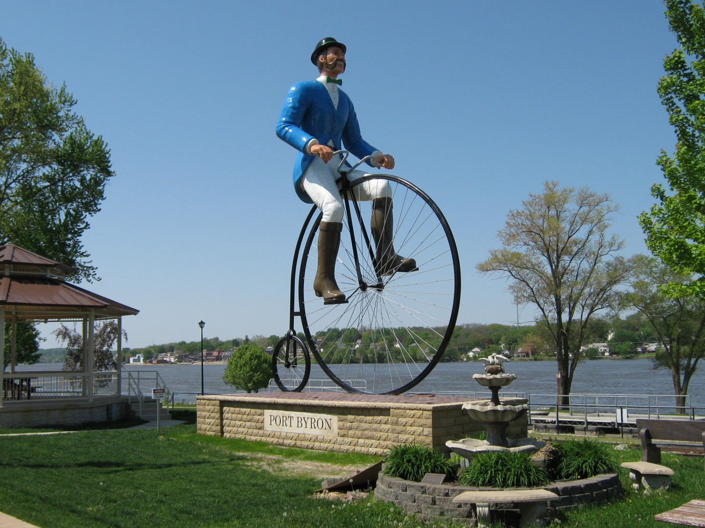 Will B. Rolling Statue in Port Byron IL.